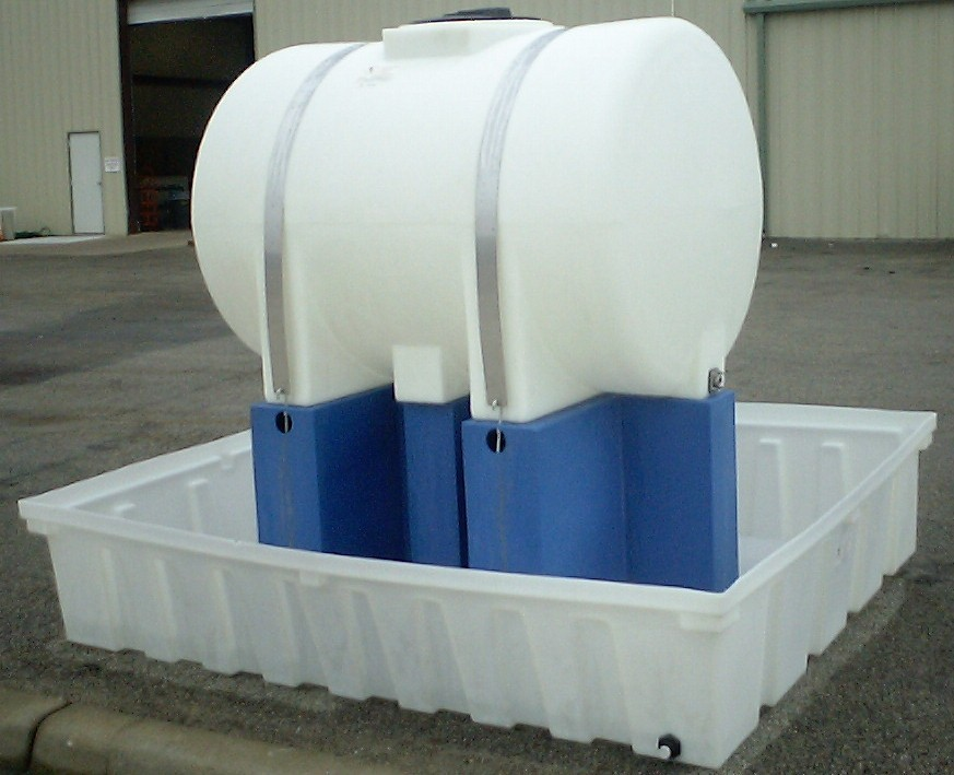 Horizontal Polypropylene tank with stand and containment - 500 gallon